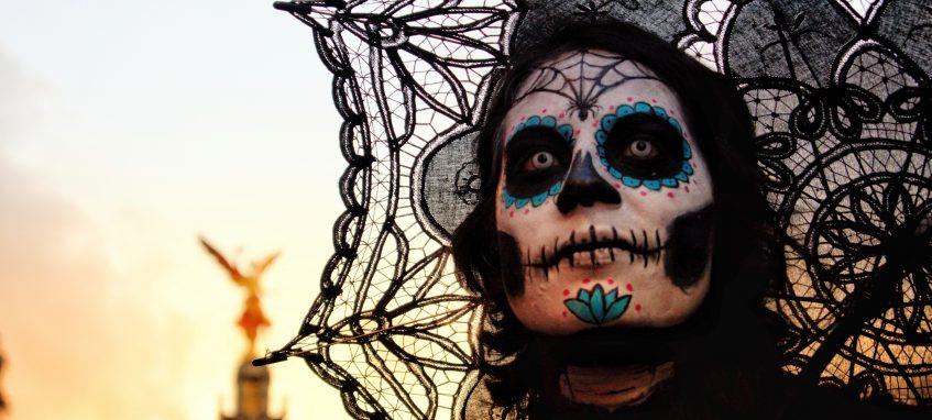 How to Apply Halloween Makeup