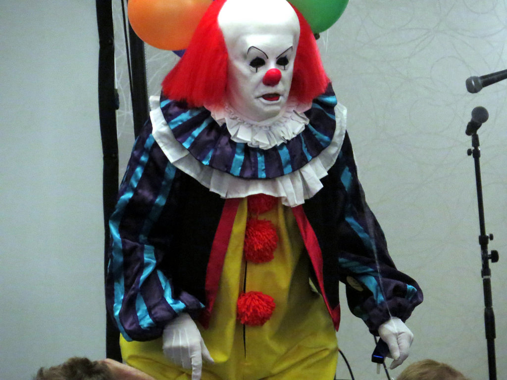 scary-clown-costume-ideas